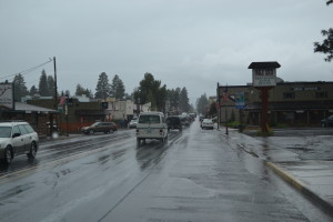 Sisters, Oregon ist eine trostlose Stadt... immer regnet es